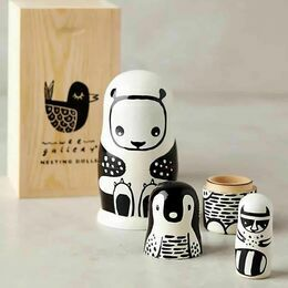 Russian Wooden Nesting Doll Set