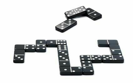 Djeco Classic Games - Domino only £10.35